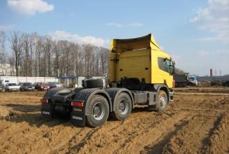 Scania P440 CA6x4HSZ Седельный тягач