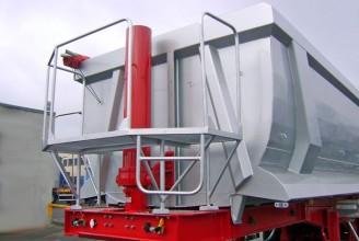 Bodex BODEX KIS 3WS2 HALF PIPE 30-35 m3 Полуприцеп самосвальный стальной карьерный