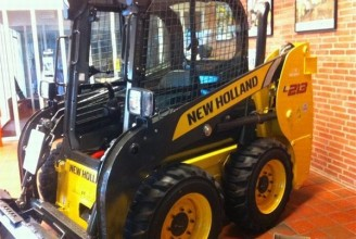 NEW HOLLAND L213 Мини-погрузчик